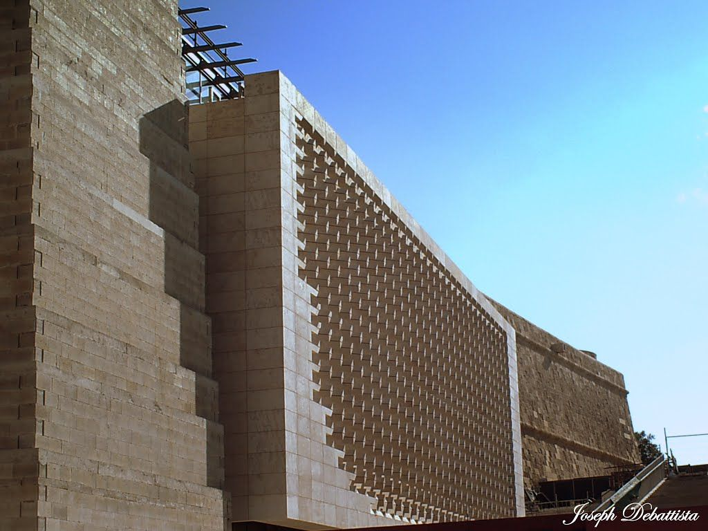 Malta new parliament valletta city gate project renzo for Renzo piano malta