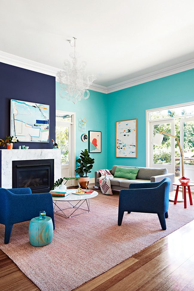 Turquoise walls with indigo blue accent wall. Photo, Armelle Habib.  Styling, Julia