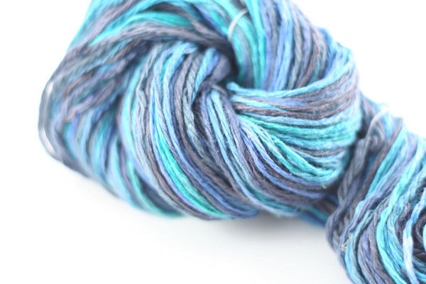 I want to try this yummy looking reclaimed yarn!