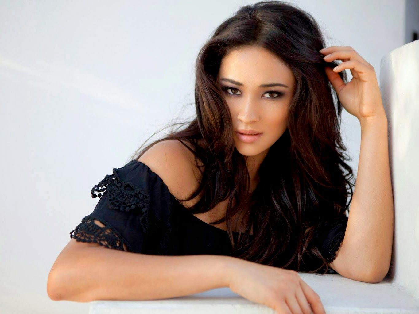 shay mitchell gif tumblr