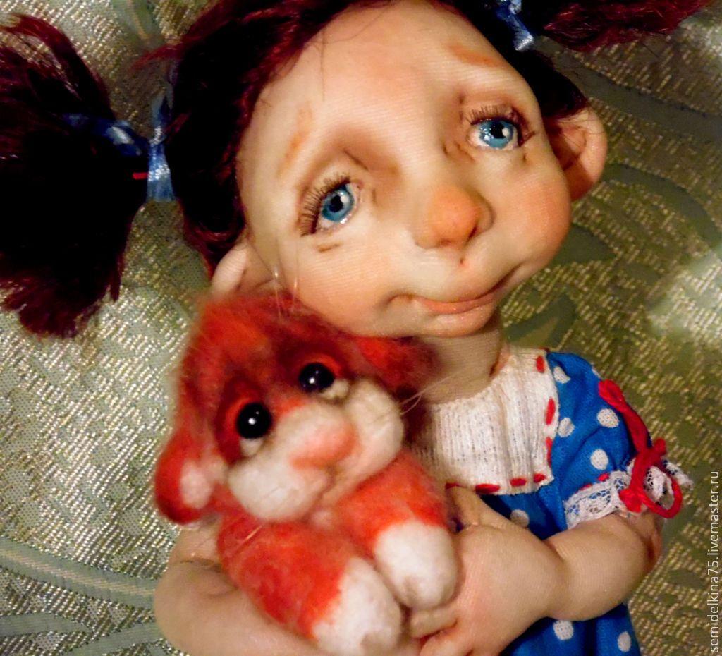 фото куклы в чулочной технике