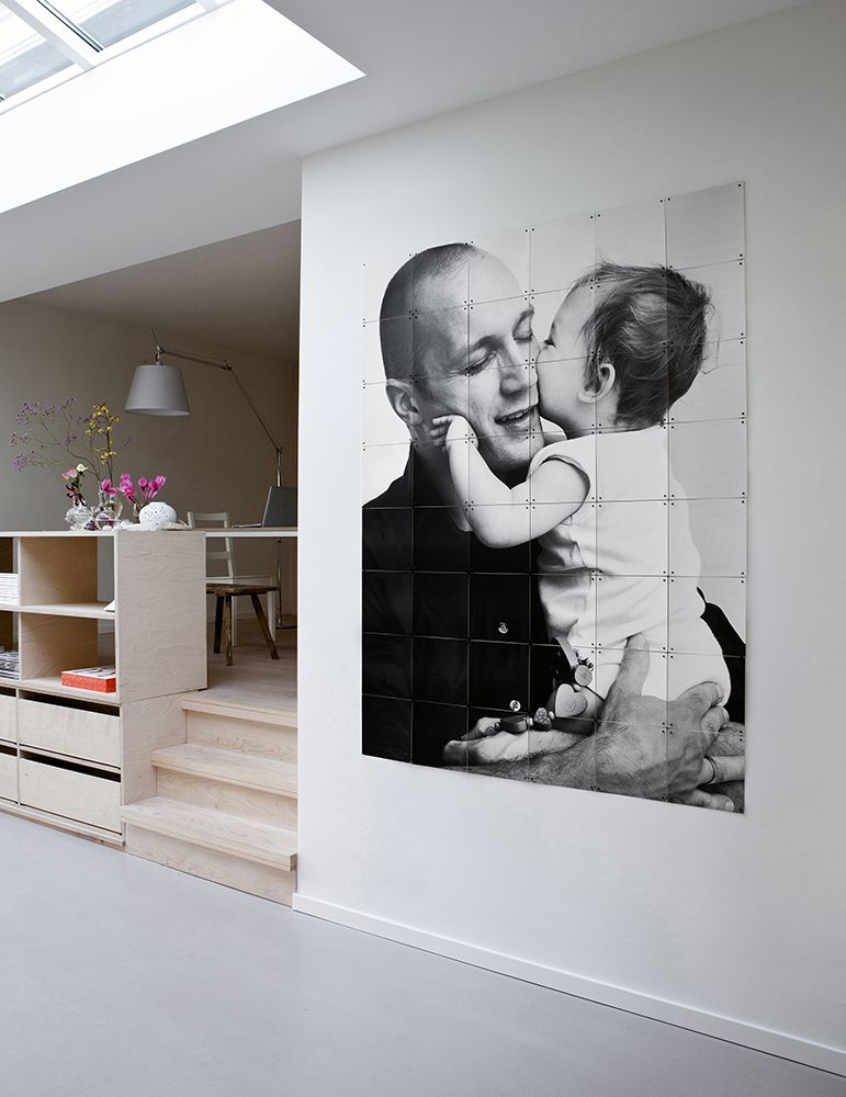 Happy father daughter IXXI. Get inspired at www.ixxidesign.com/inspiration   #IXXI #ixxiyourworld #family #blackandwhite #photography #home #inspiration #interior #livingroom #style #wallart
