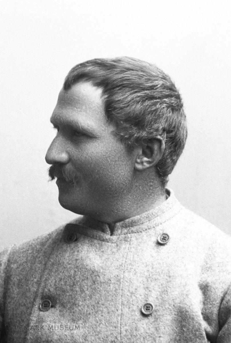 11be181d Hjalmar Johansen, avbildet 1896, 9/12. Fredrik Hjalmar Johansen (født 15