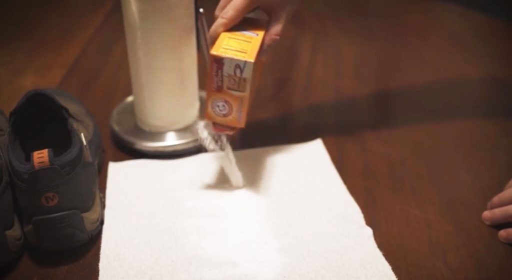 Bicarbonate de soude 25 fa ons incroyables de l utiliser - Nettoyer canape tissu bicarbonate de soude ...