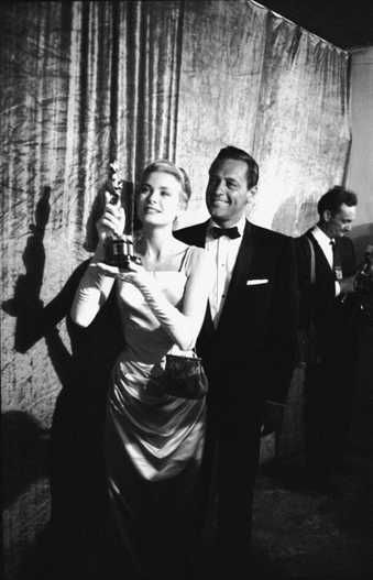 """1955 Oscars: Grace Kelly, Best Actress 1954 for """"The Country Girl"""" with William Holden"""