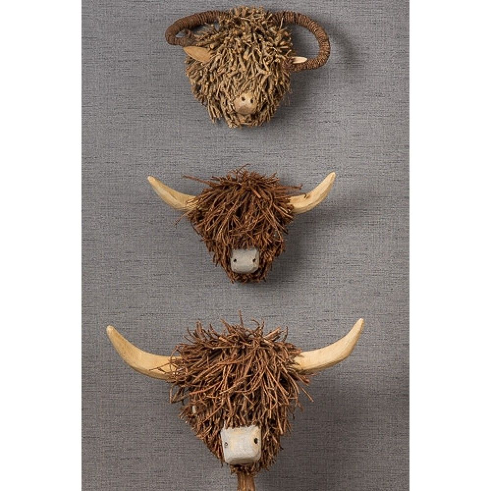 Wooden Highland Cow And Wooden Highland Cow Head On A Stand Desres Cow Head Highland Cow Cow Nursery