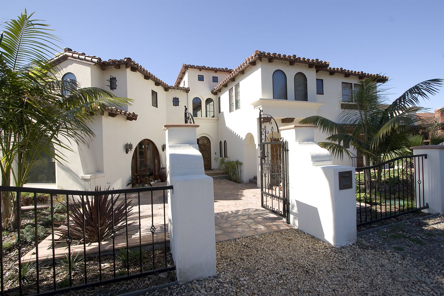 California style | Architecture | Pinterest | Residential roofing ...