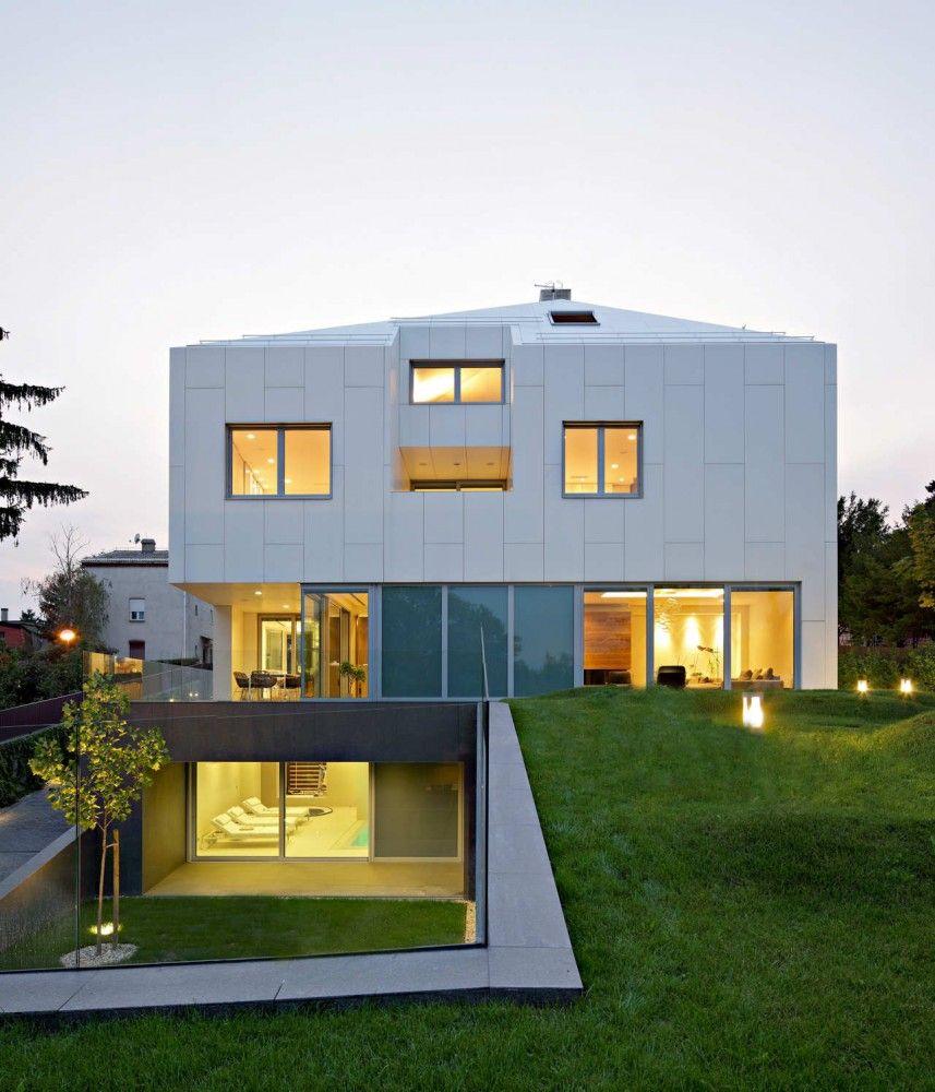 Tuskanac Residence Dva Arhitekta Residential Architecture Container House Plans Architecture
