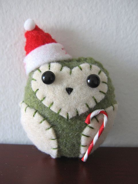 little felt owl ornament w/ candy cane