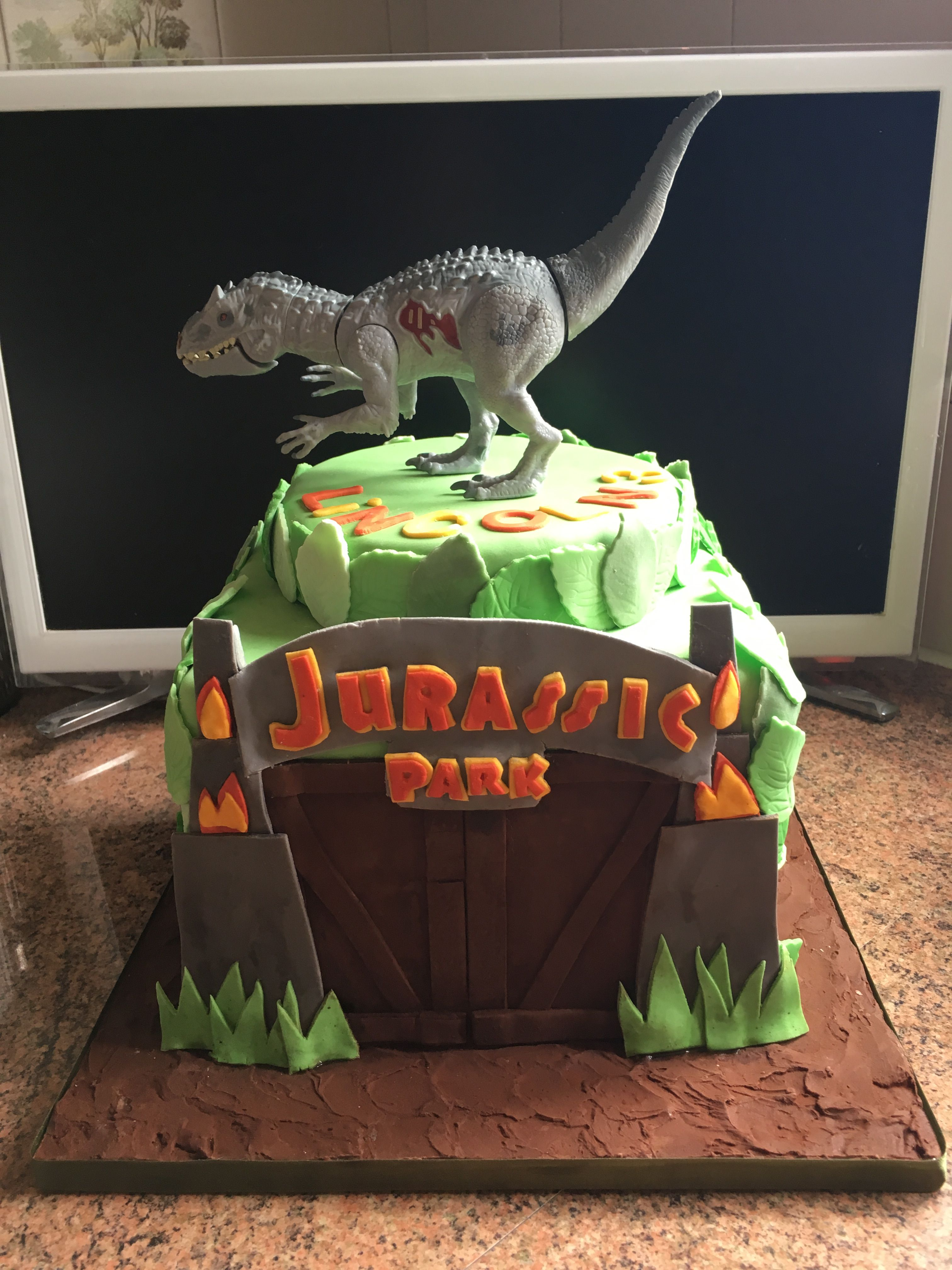 Jurassic Park Cake With Images Jurassic Park Birthday