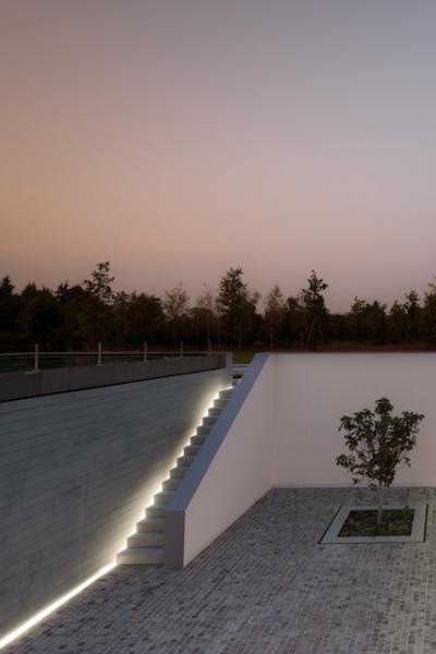 Casa delle bottere treviso italy john pawson jardin for Casa moderna treviso