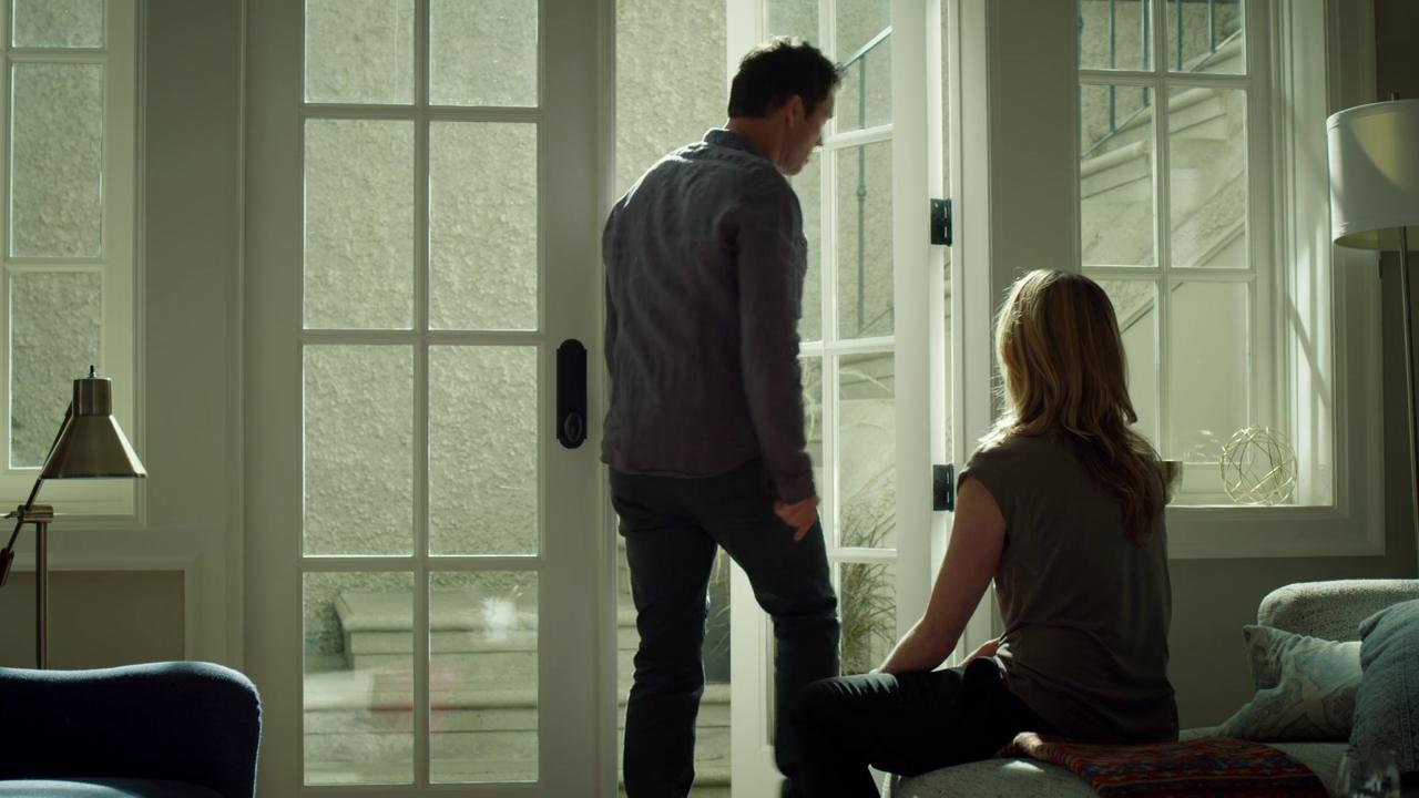 "Shut Eye 1x07 ""Two of Swords"" - Charlie Haverford (Jeffrey Donovan) & Dr. Nora White (Susan Misner)"