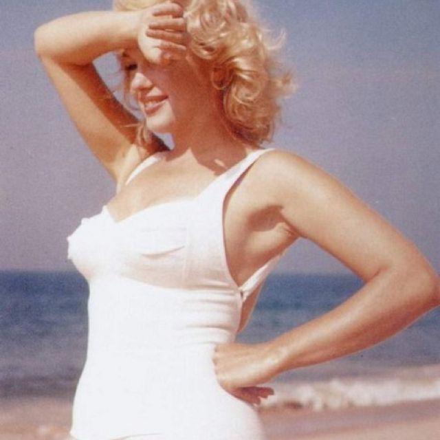 Pin By T L S On Norma Jeane Mortensen Baker Marilyn Monroe Photos Marilyn Celebs