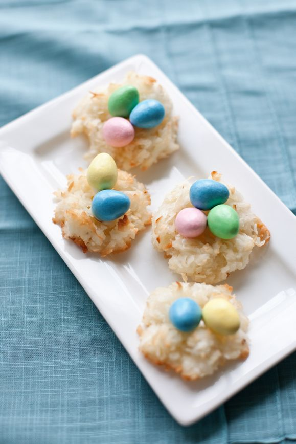 Incredibly Easy Easter Birds Nest Coconut Macaroons