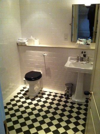 Main Bathroom False Wall Amp Shelf Tiles Bathrooms