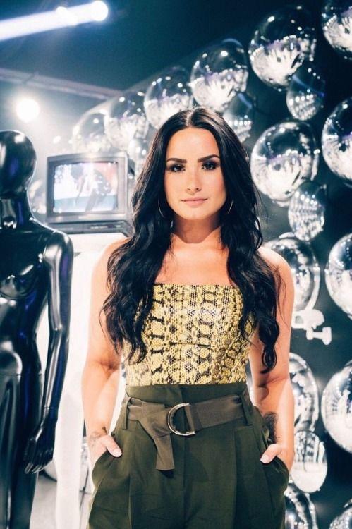 Épinglé par emeline freitas sur Demi ️ ️ en 2019 Demi