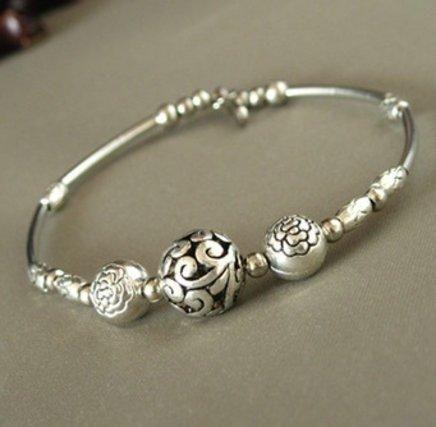 Pulseira Vintage Tibet   Brinde= uma linda joia em prata 925, nas compras acima de R$ 200,00, na Leona Secrets
