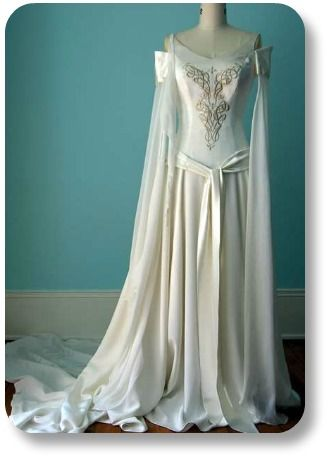Irish Wedding Gown... this is not actually a antique but a replica ...