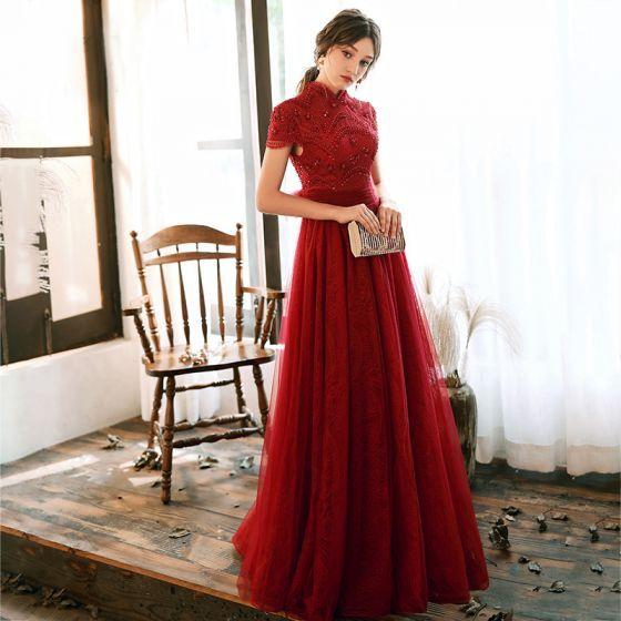 Photo of Vintage / Retro rote Spitze Abendkleider 2020 A-Linie / Prinzessin High Neck Kurzarm Pailletten Perlen bodenlangen / langen Rüschen rückenfreie Schleife Abendkleider