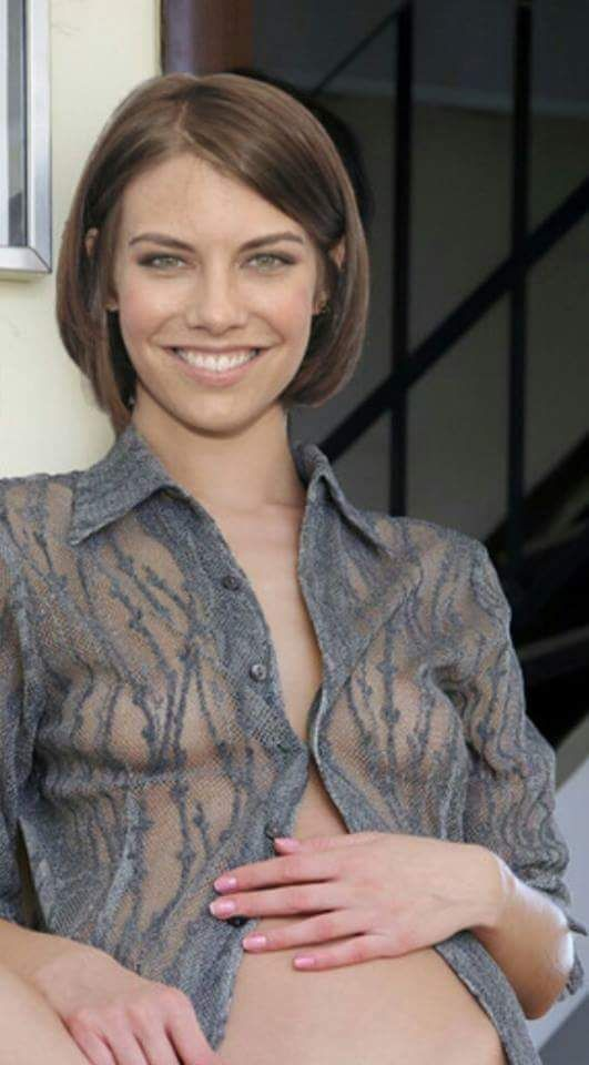 Lauren Cohan bed