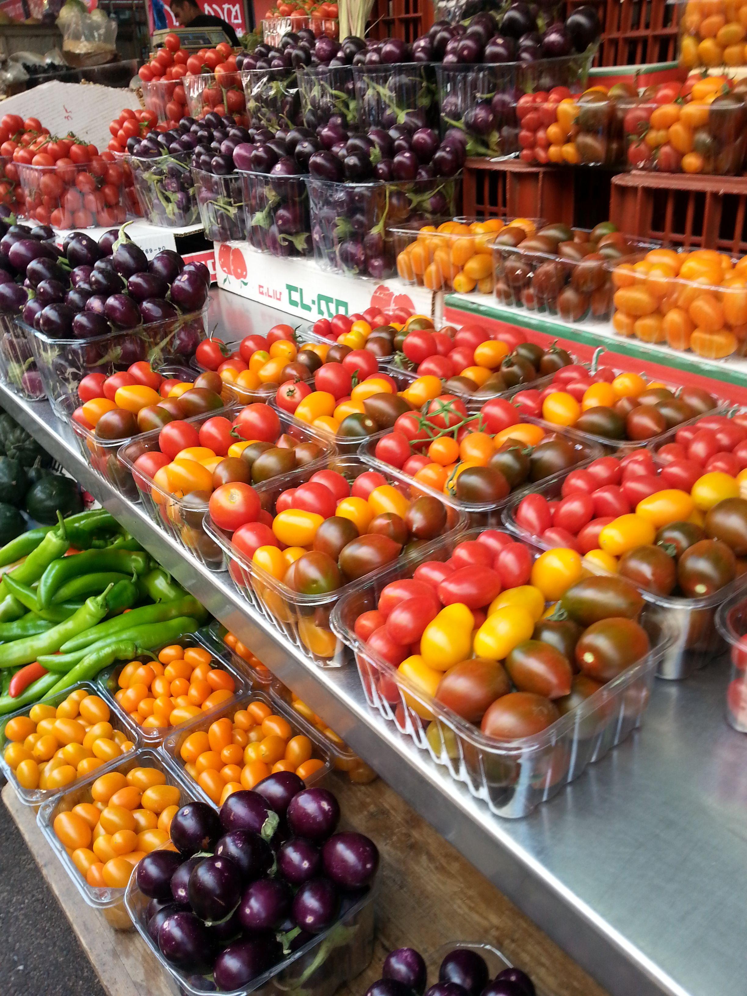 שוק הכרמל... אין סוף של סוגי עגבניות יש אצלנו.. in 2019