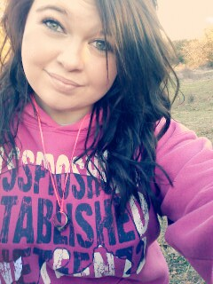 Curly hair(: I wish it was longer tho!