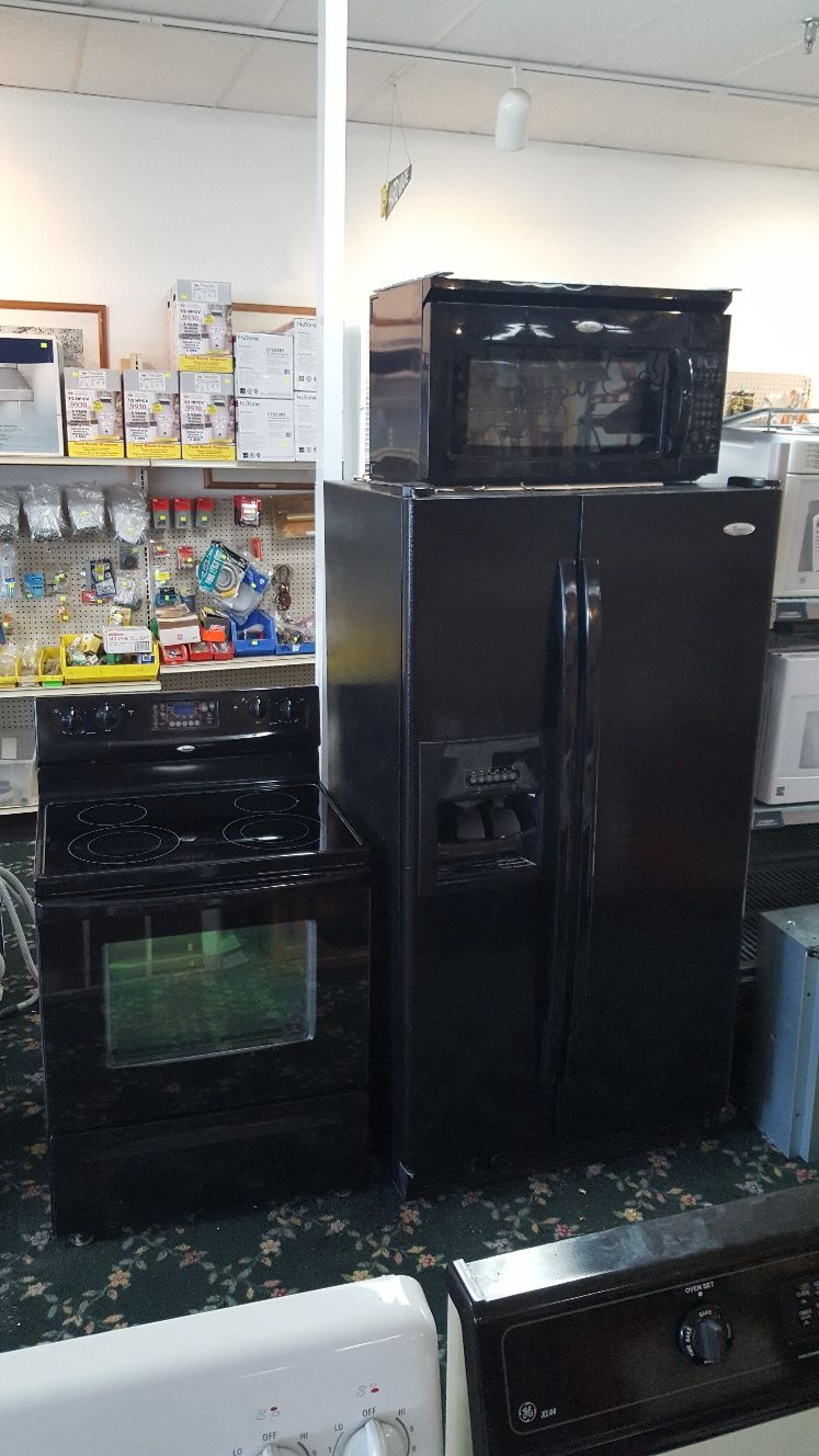 whirlpool matching appliance set in black 475 00 includes side rh pinterest es