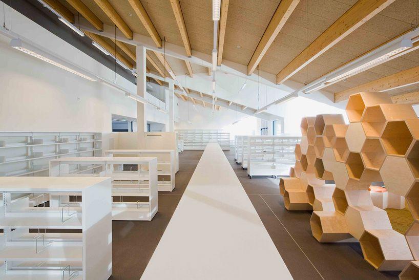 Biblioteca Pública de Zoersel, Bélgica - OMGEVING - © Yannick Milpas