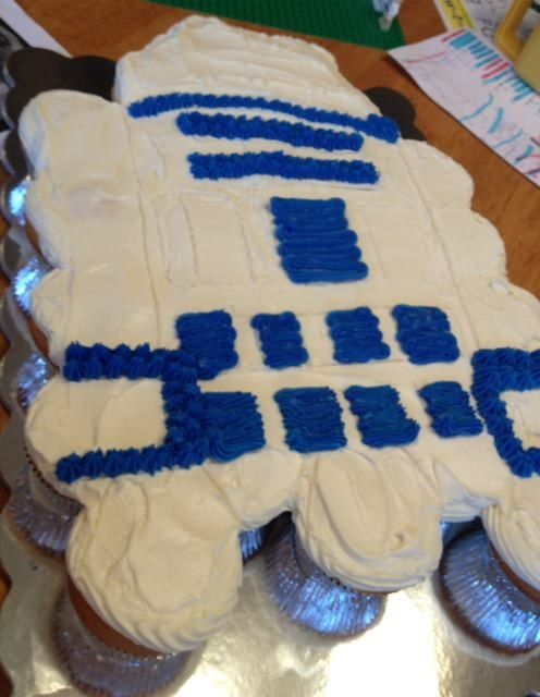 R2d2 Star Wars Cupcake Cakes With Images Star Wars
