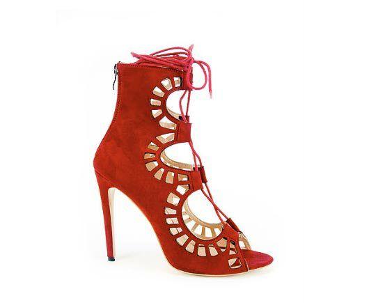 02abd8126c3 Obsesionada con los zapatos rojos