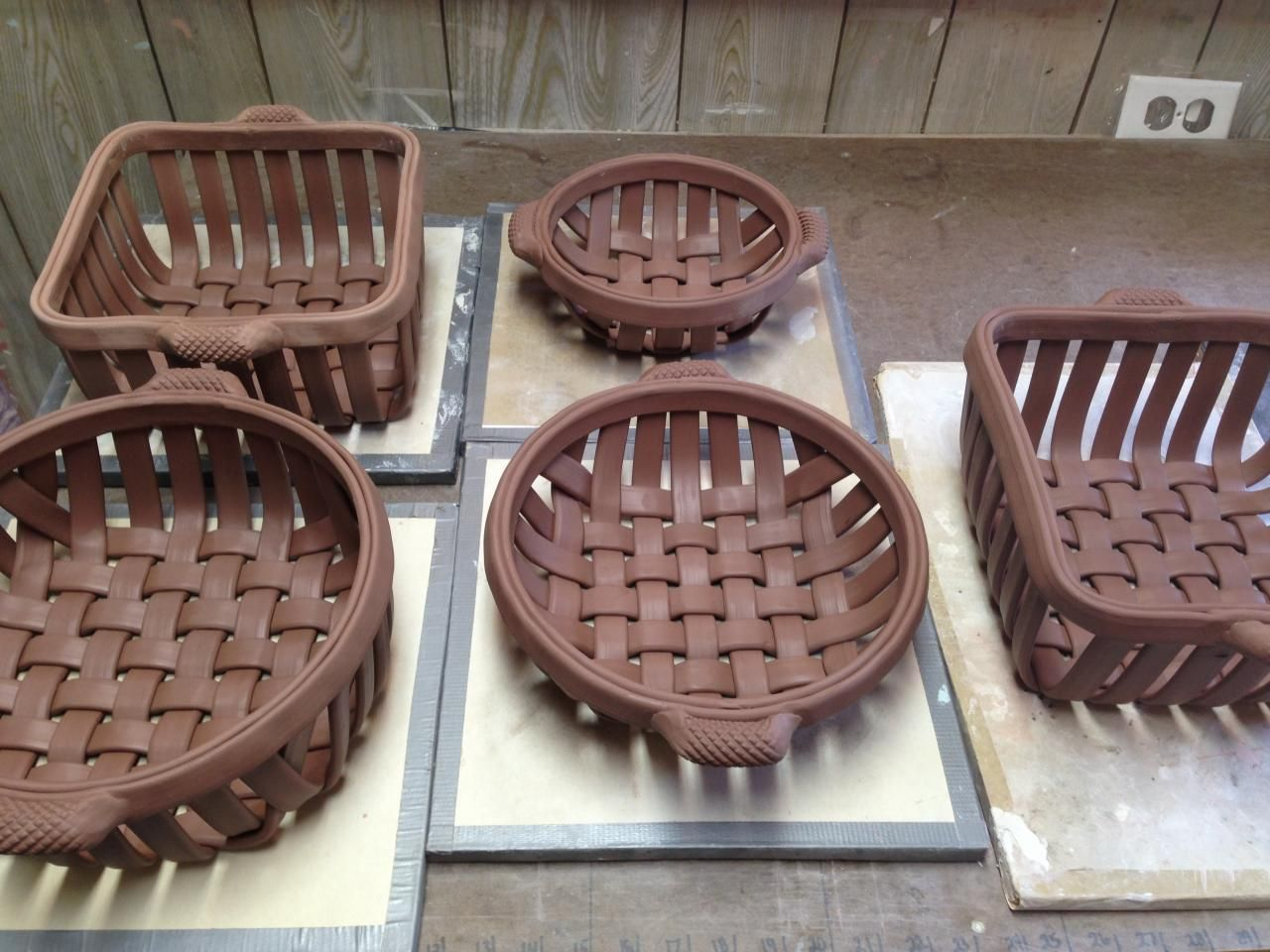 Woven clay baskets google search clay pinterest for Clay making ideas