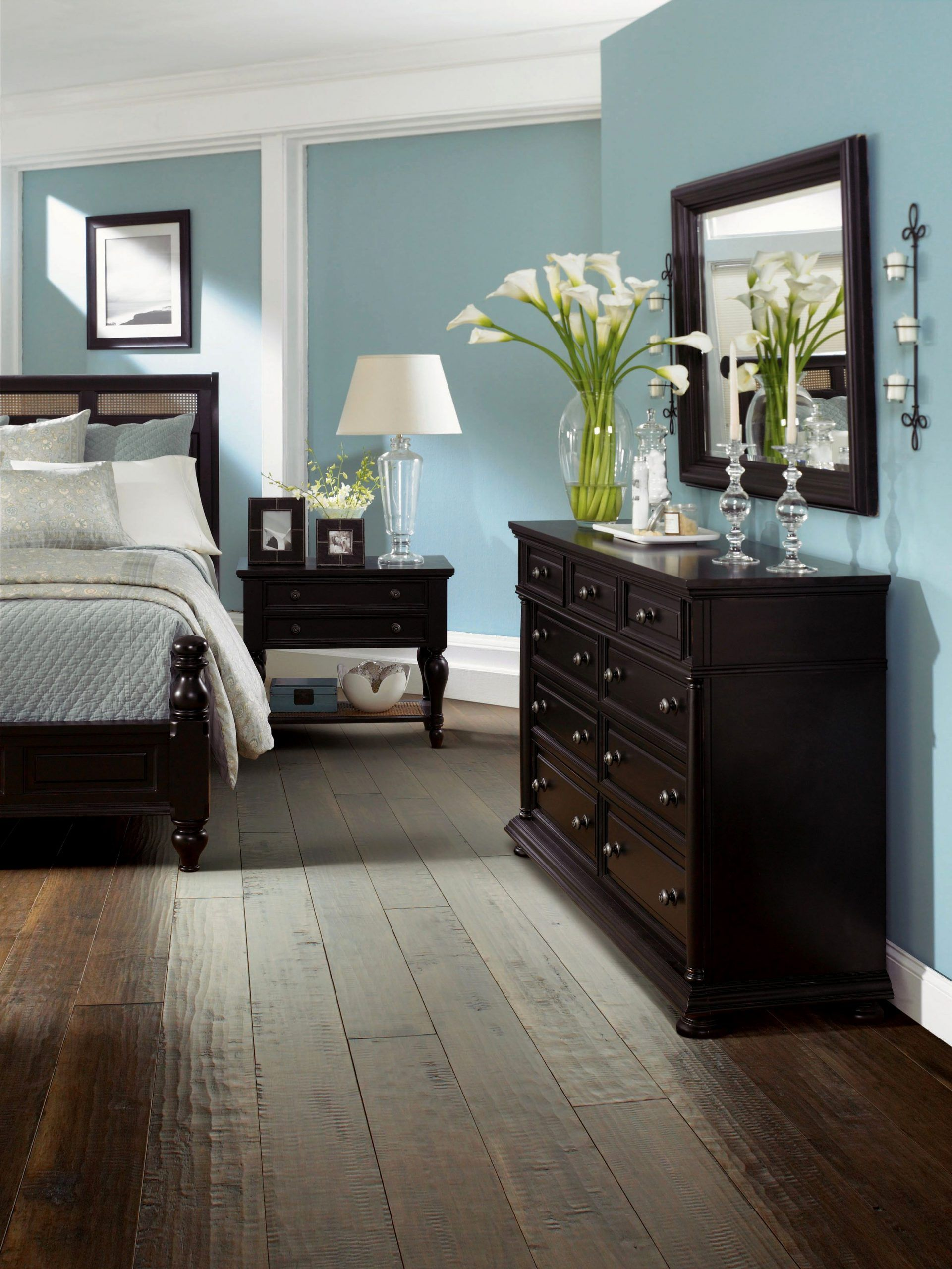 Bedroom With Dark Furniture Inspirational Bedroom Dark Hardwood Floors Bedroom 67 Wood Floo In 2020 Luxury Bedroom Master Relaxing Master Bedroom Master Bedrooms Decor