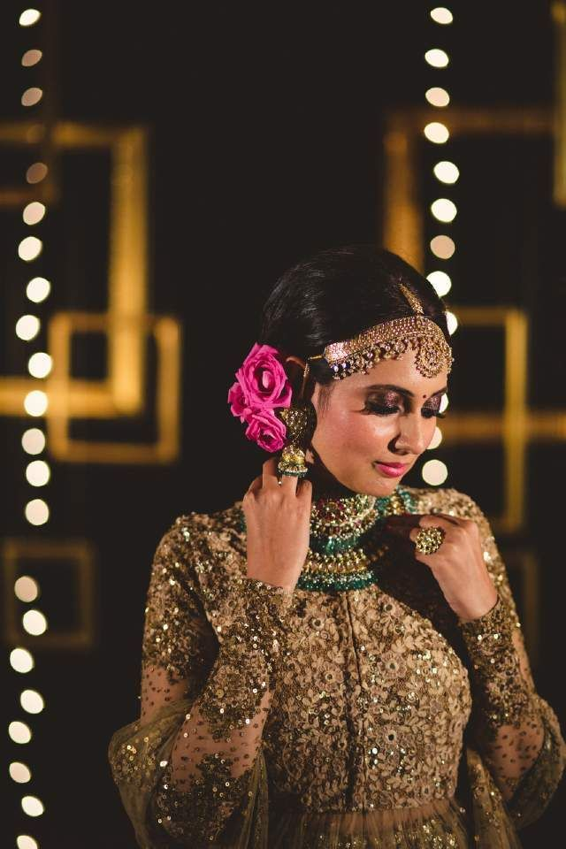 indian wedding photography design%0A  Click on the photo to book your wedding photographer  South Indian Bride  Hair Style Flower Gajra Ideas South east asian bride hari  malyalee brid u