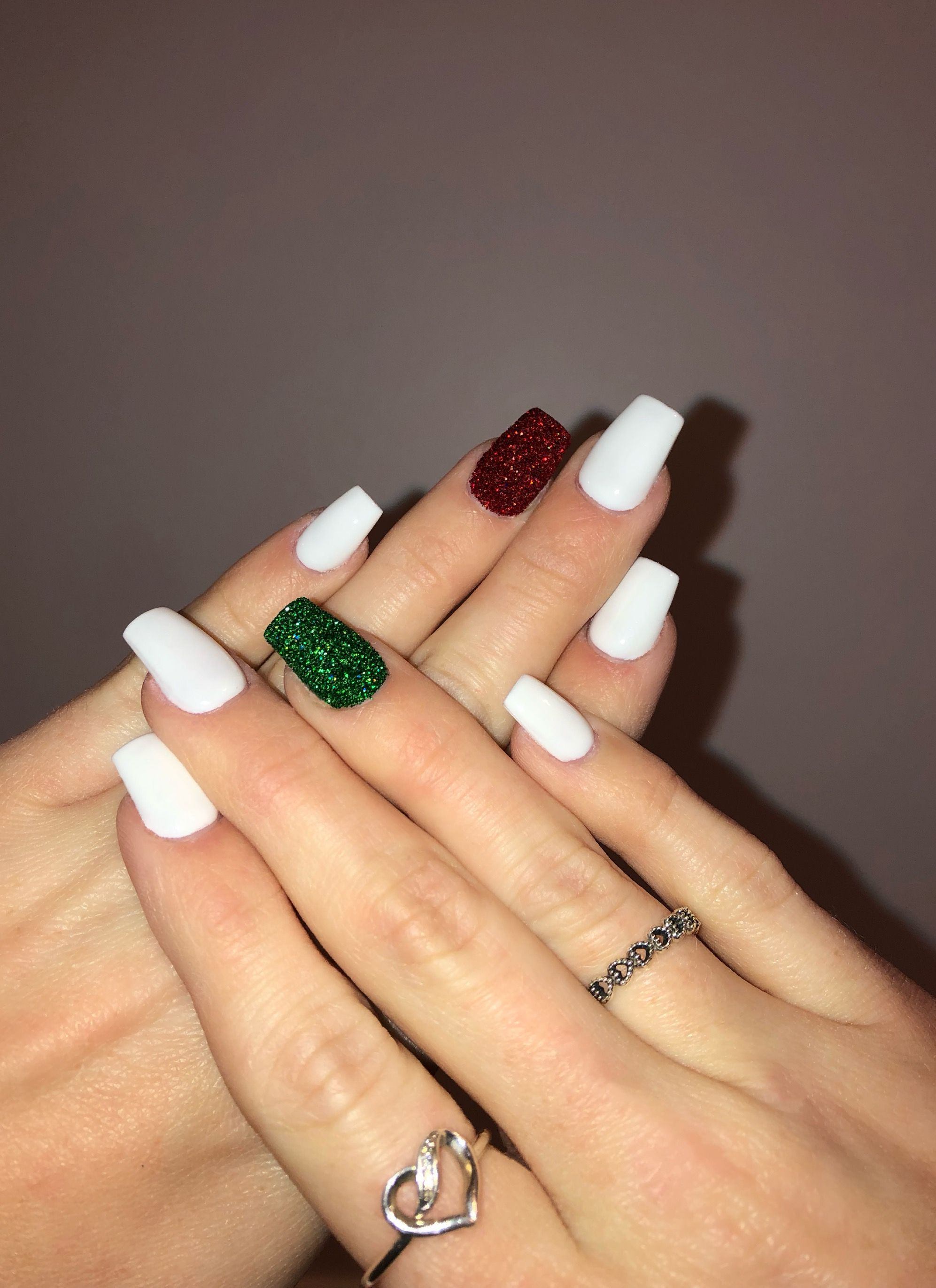 White Christmas Nails W Red And Green Powder Sparkle Christmas Nails Green Red White In 2020 Christmas Nails Acrylic Green Acrylic Nails Cute Christmas Nails