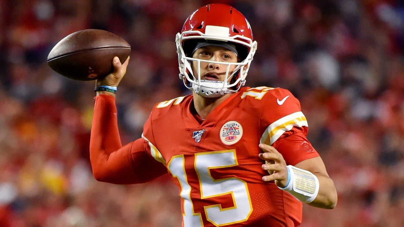 Patrick Mahomes Chiefs Limp To First Loss Of Season Kansas City Chiefs Blog Kansas City Chiefs Desean Jackson Nfl Week