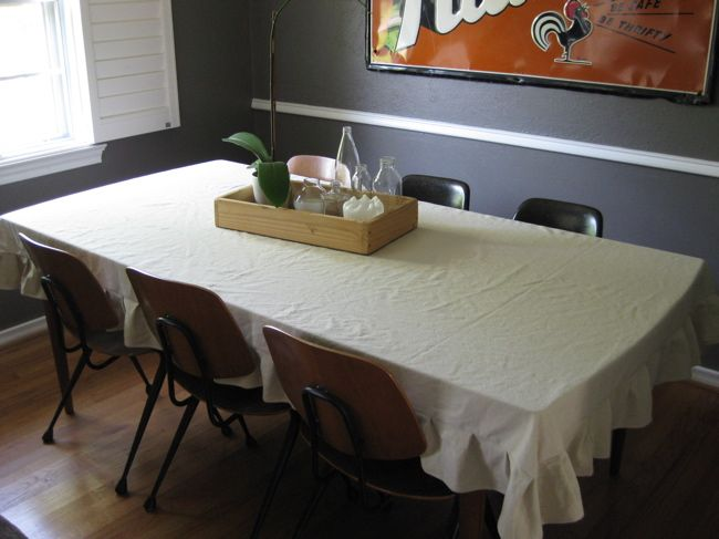 painters cloth = table cloth!!
