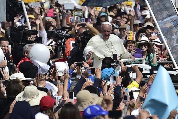 """El Papa alertó desde Ecuador sobre la """"tentación de los sectarismos"""" Diario El Día - La Plata, Buenos Aires, Argentina"""
