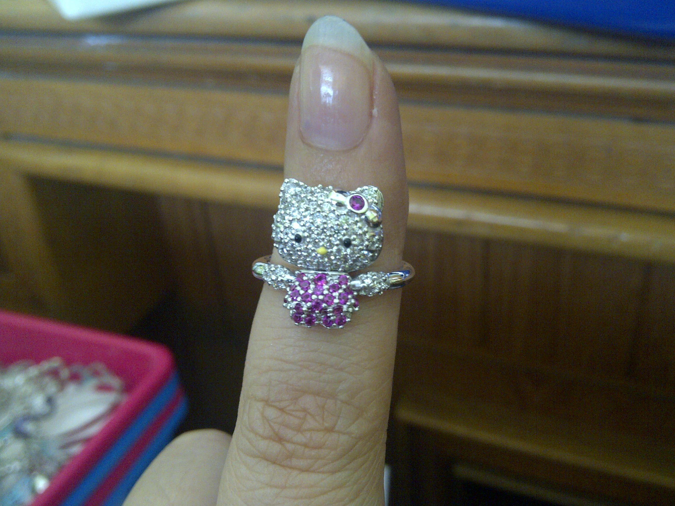Hello Kitty 18k white gold ring 18k White Gold Jewelry