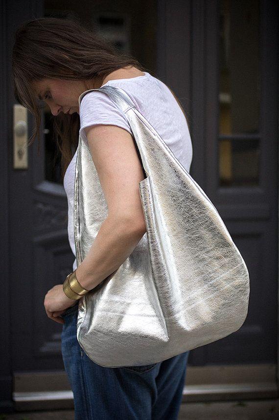 Silber Leder Hobo Bag jeden Tagestasche Beutel von PatkasBerlin