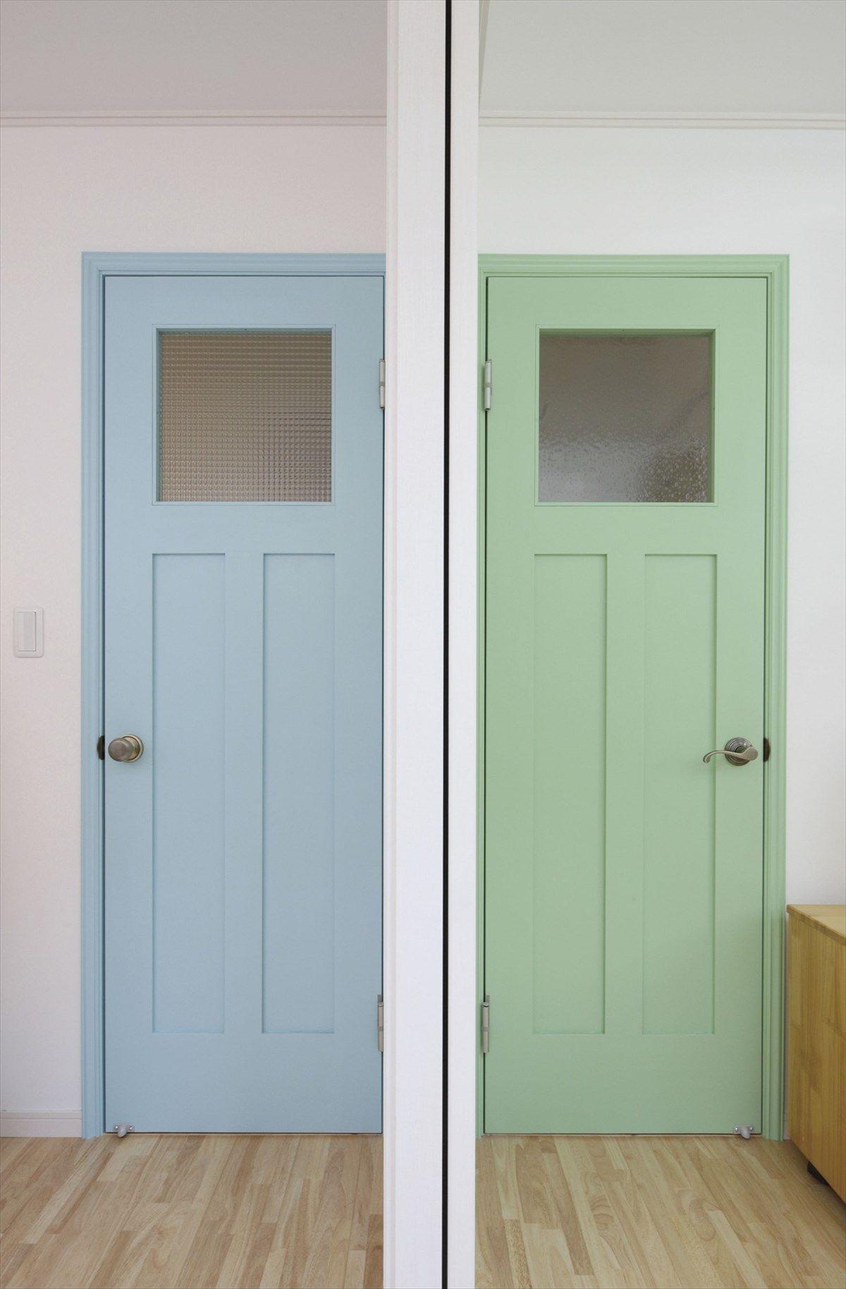 室内ドア 水色 グリーン ドア 造作ドア 扉 インテリア ナチュラル