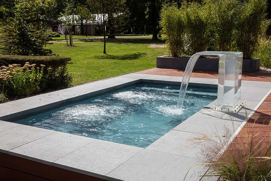 Kleiner Pool Im Garten Pool F R Kleine Grundst Cke Around The