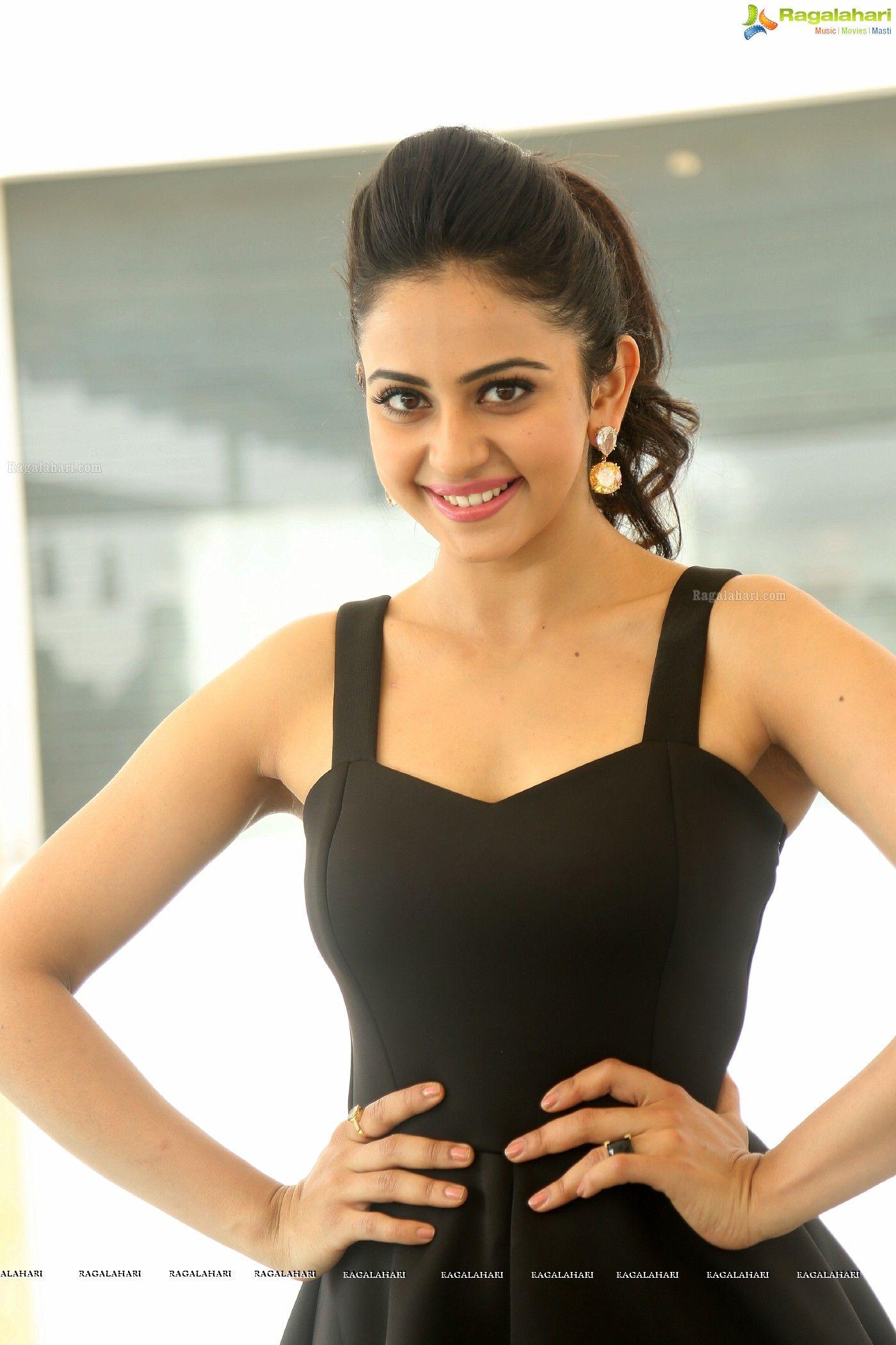 Bollywood Heroine Rakul Preet Singh s Image 6
