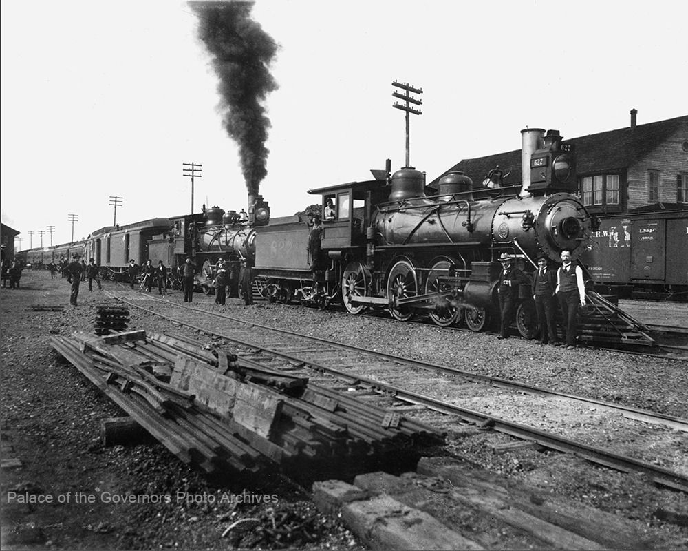 TRAIN S ARE US — pogphotoarchives AT&SF lo otives 627 and 626 at