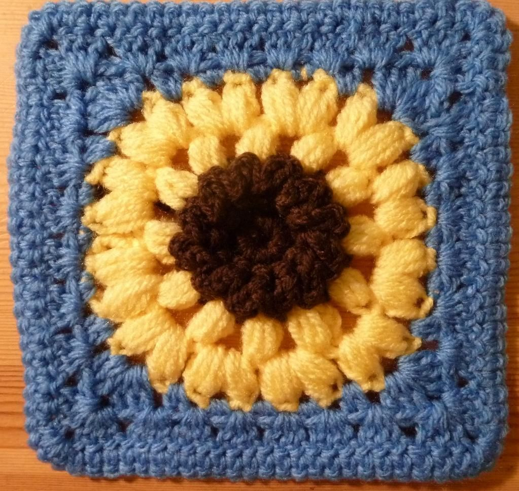 Sunflower Square Pattern - via @Craftsy | Kvadrātiņi | Pinterest ...