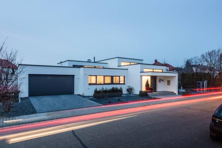 Kaskadenhaus   Einfamilienwohnhaus In Bürstadt: Moderne Häuser Von Helwig  Haus Und Raum Planungs GmbH