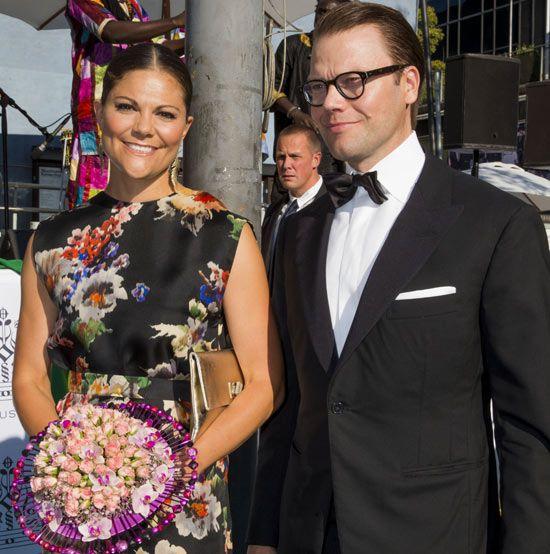 Los príncipes Victoria y Daniel de Suecia, rodeados de música y originales flores en los Premios Polar