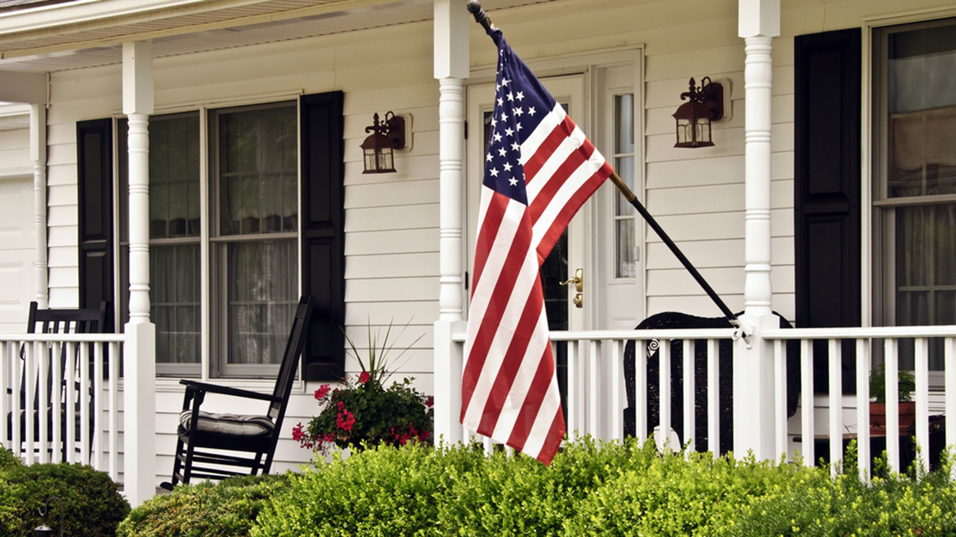See The Most Patriotic House In America And How It Can Be Yours Credit Cards Debt Senior Discounts Homeowner