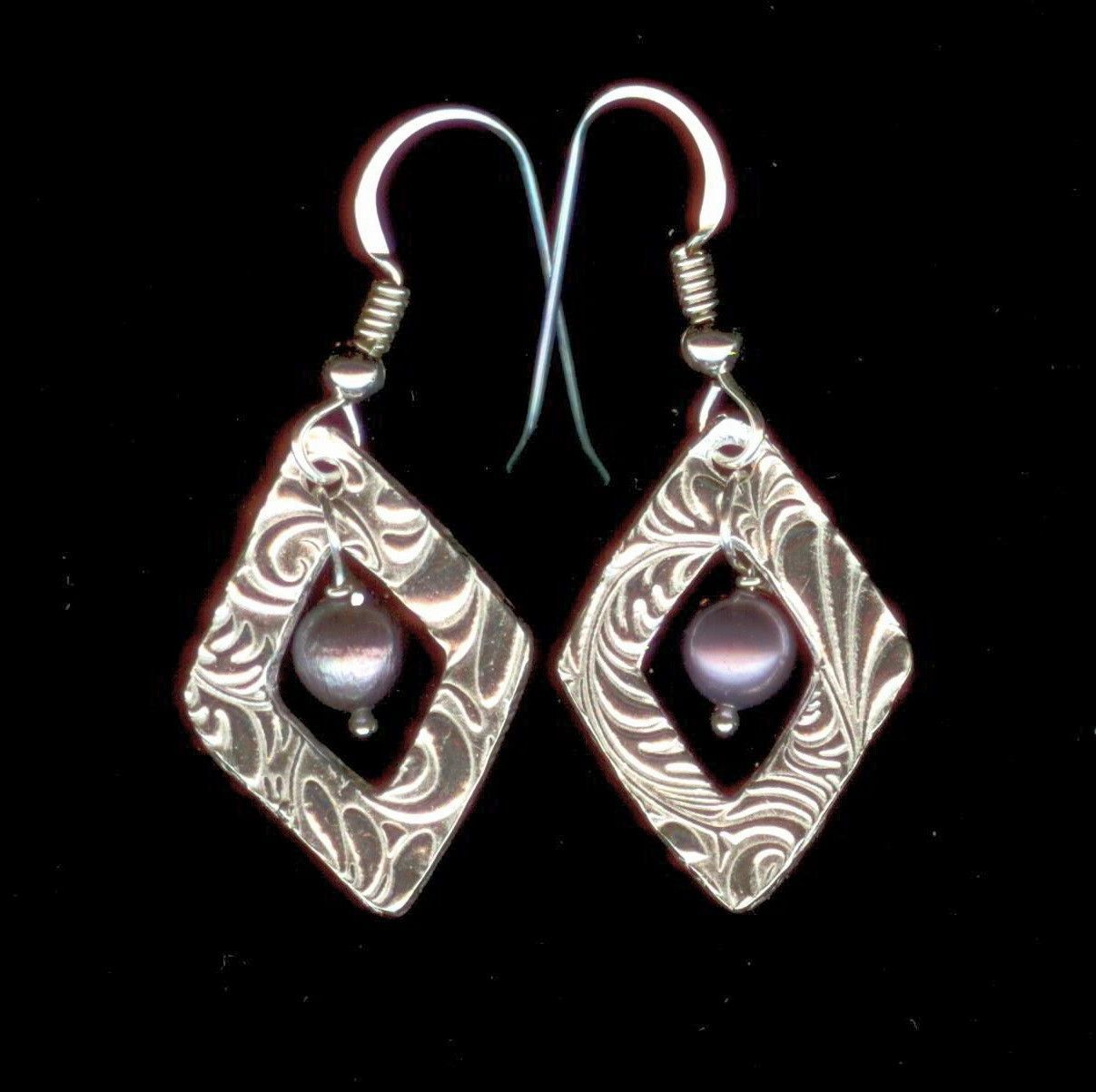 Earrings - Fine silver and freshwater pearls