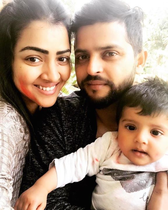 Suresh Raina celebrated HOLI with his family :) For more ...