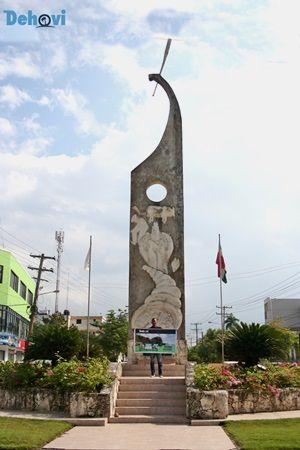 Monumento Al Agricultor Hombre De Campo Monumento Agricultor